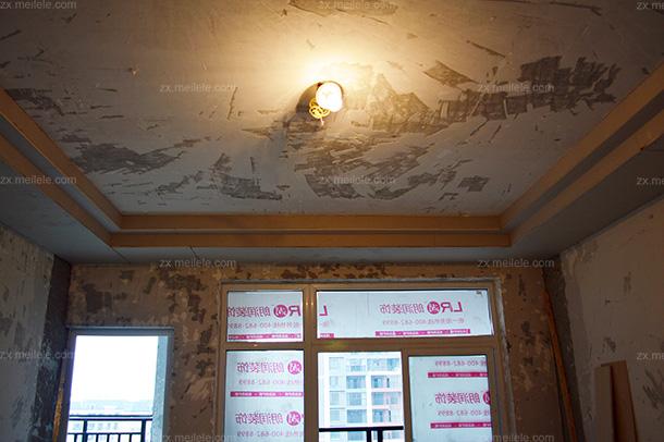 装修建筑里用木龙骨架作为吊顶的主龙骨架