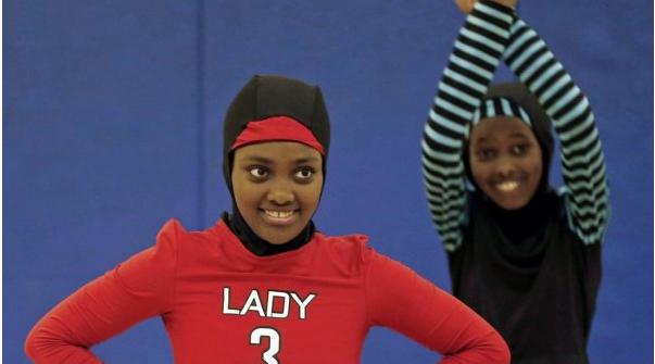 穆斯林女孩们的篮球队服设计方法