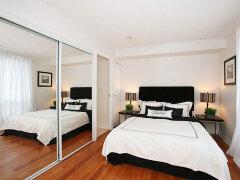 1款唯美的家庭小卧室装修效果图