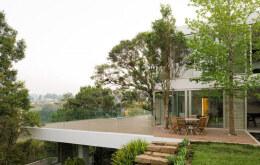 危地马拉Casa Luz三层别墅设计