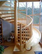 原木定制的旋转楼梯设计欣赏