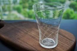 日本手工玻璃大师荒木尚也设计的星际杯杯子设计